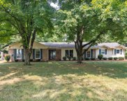 8116 Moores Ln, Brentwood image