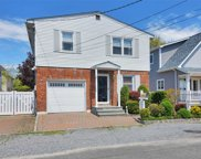 7 June Ave, Bayville image