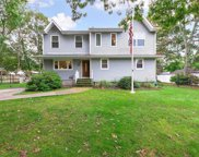 12 Reeves  Place, Mastic image