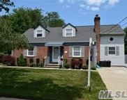 3357 N Maplewood Dr, Wantagh image
