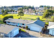 15865 SW QUEEN VICTORIA  PL, King City image