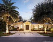 5890 Sw 102nd St, Pinecrest image