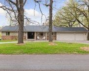 26370 Oak Ridge Circle, Shorewood image