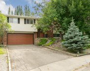 419 Cantrell Place Sw, Calgary image