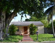 871 Ne 4th Pl, Hialeah image
