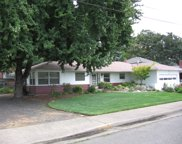 326 Ne B  Street, Grants Pass image