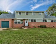 421 Piping Rock Road, East Norfolk image