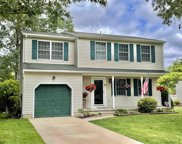 8 Woodlot Ct, Somers Point image