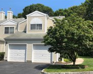 140 Farm House Ct, Manorville image