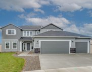 2329 N Meadowhills Ave, Star image