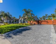 1445 Pinegrove Way, Brentwood image