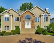 15 Stern  Place, Clarkstown image