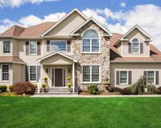 7 Samara Ct, Commack image