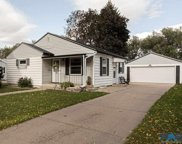 612 N Leadale Ave, Sioux Falls image