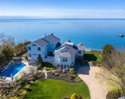 21075 Soundview Ave, Southold image