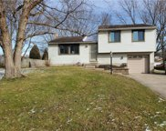 109 Fox Chase Ct, Cranberry Twp image