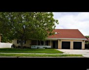 2251 W Bonanza Ct, South Jordan image