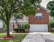 122 Flanders  Drive, Mooresville image