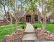 3245 Oak Tree Lane, Grapevine image