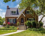 947 Lincoln Rd, Grosse Pointe image