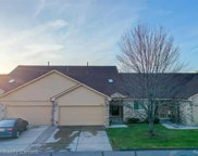 2316 Heritage Pointe Dr, Sterling Heights image