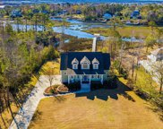 409 W Windward Landing Place, Hampstead image