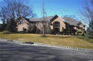 39 Hunting Hollow Ct, Dix Hills image