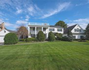 251 Willetts Ln, West Islip image
