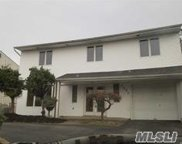 3059 Driftwood Ln, Bellmore image