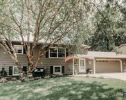 904 S Grandview Ave, Sioux Falls image
