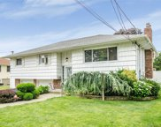 2820 Maple Ave, Bellmore image