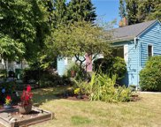 2022 NE 123rd St, Seattle image