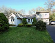 5 Hollow  Drive, Clarkstown image