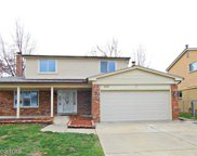 2110 Jonathan Dr, Sterling Heights image