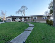 24 Beachview Pl, Lake Ronkonkoma image