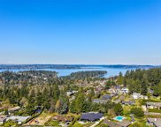 1810 91ST Place NE, Clyde Hill image