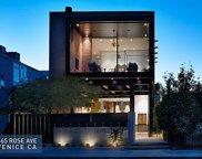 665     Rose Avenue, Venice image