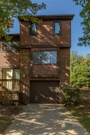 706 Forest Edge Ct, McCandless image