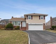 2 Atwood Rd, Plainview image