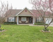1832 Moonlight Dr, La Vergne image