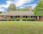 6804 Whitby Court, Clemmons image