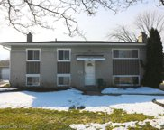 2830 Serra Dr, Sterling Heights image