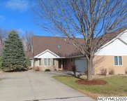 2022 Hunters Ridge Dr, Mason City image