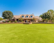 3917 E Brooks Farm Road, Gilbert image