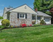 107 Plymouth Dr, Glen Head image