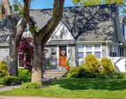35 Chestnut Ave, Patchogue image
