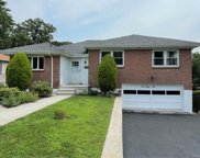 132 Edgecliff  Terrace, Yonkers image