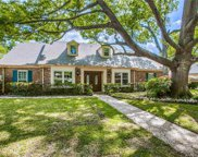 7334 Tophill Lane, Dallas image