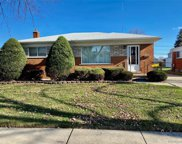 27116 Broadmoor Dr, Warren image