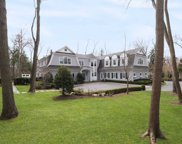 2064 Crest Rd, Muttontown image